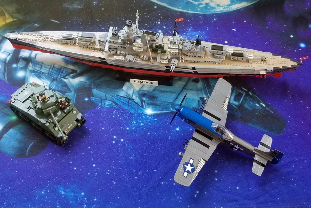 Cobi block models Bismarck, sherman tank, P-51