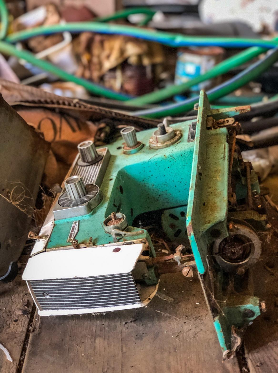 galler old seweing machine 2