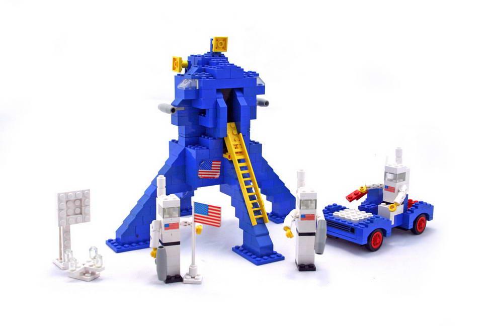 Classic Lego Lunar Lander set