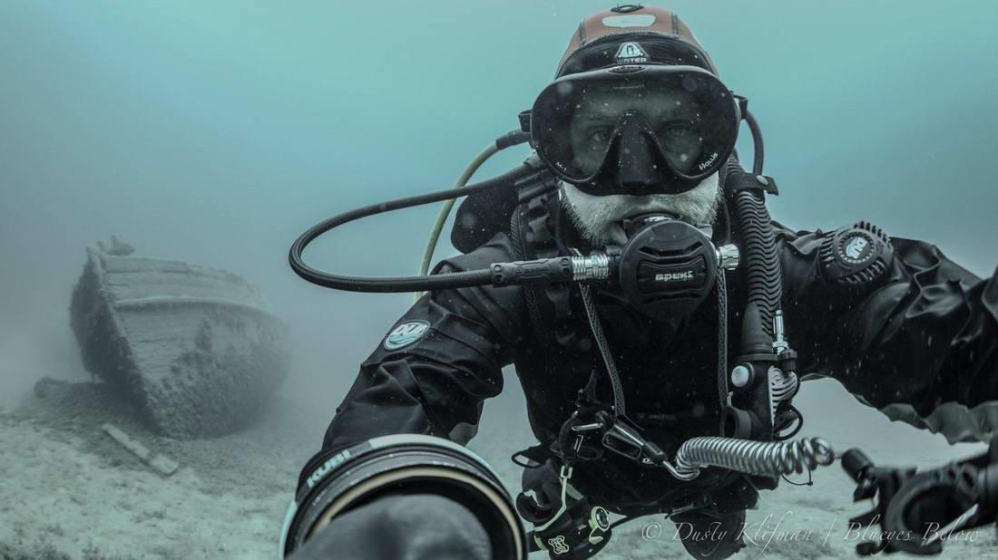 Dusty Under Water